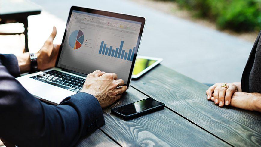 Qual a importância de analisar métricas para seu site ou canal de vídeos?